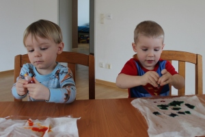 kids tie dye easter eggs